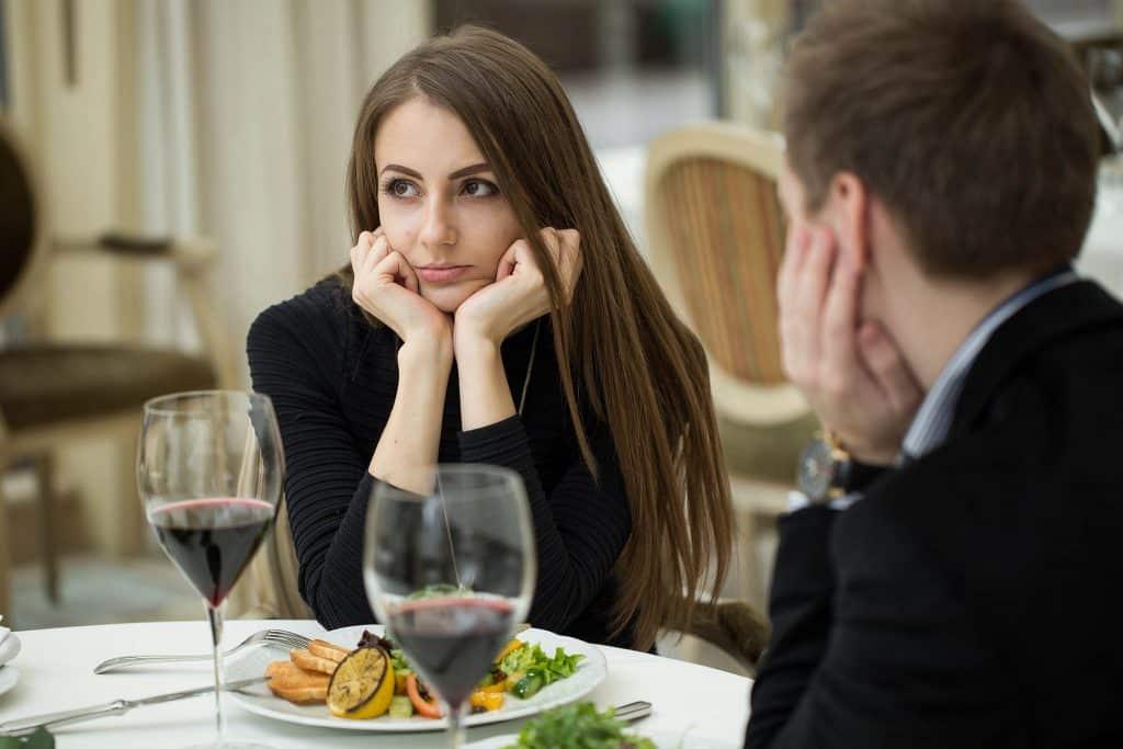 Interessante Gesprächsthemen für das erste Date - date