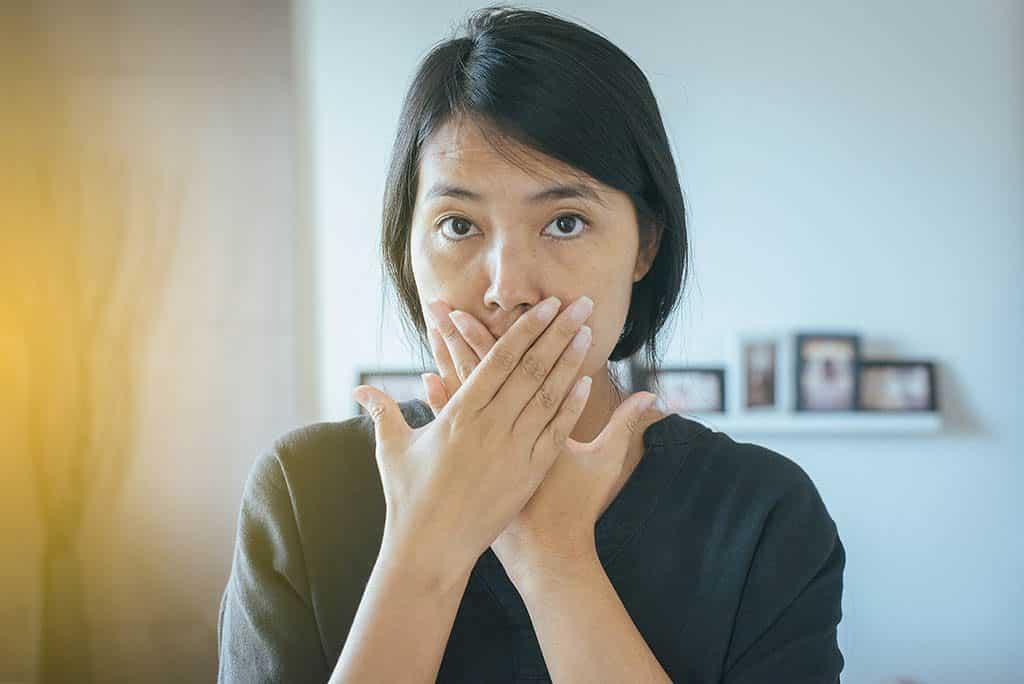 Knoblauch sorgt für unangenehmen Mundgeruch - verzichte lieber drauf